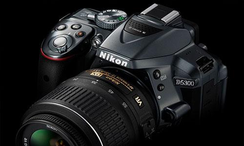 مشخصات ظاهری دوربین Nikon D5300